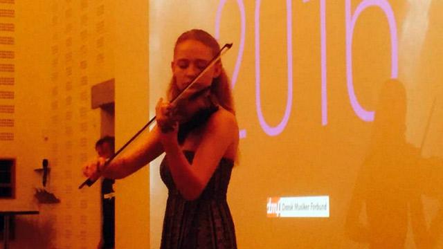 640x360-violin
